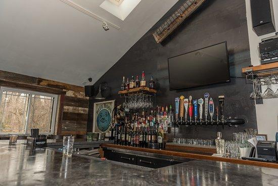 Oneida, NY: Pub