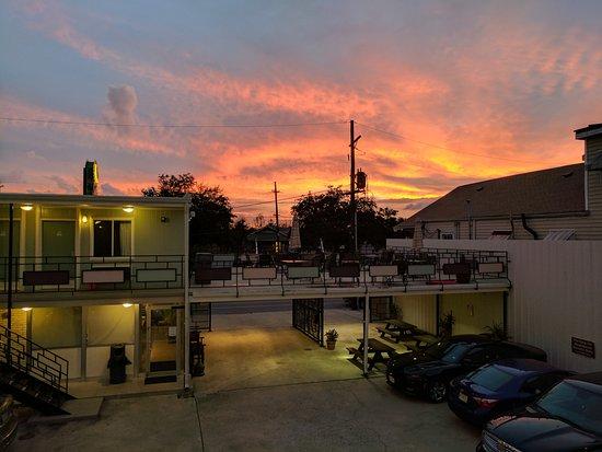 The Crescent Palms Motel Image