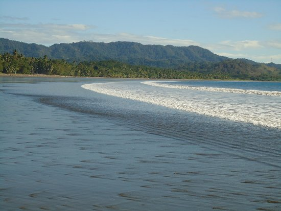 Tambor, Costa Rica: The beach at low tide and the surrounding hills