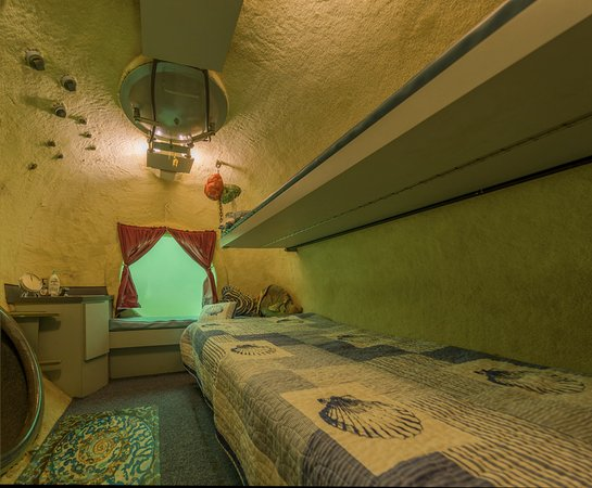 Jules Undersea Lodge Photo