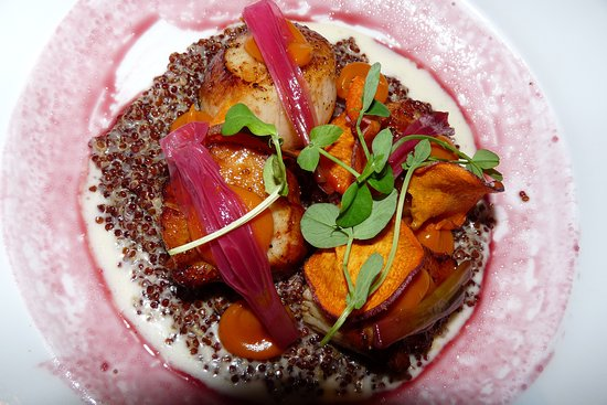 Maine scallops on a bed of quinoa - Picture of The Sea by
