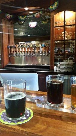 Abita Springs, LA: Tap room & flights of beer