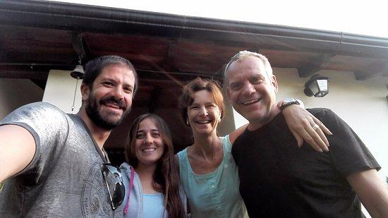 Casa Hernandez: Con Alex y Rijkje... En nuestra Partida!!!! Muchas Gracias por todo!!!!!