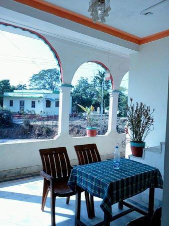Hotel Plaza Khajuraho : Dining area or seating area on upper floor.
