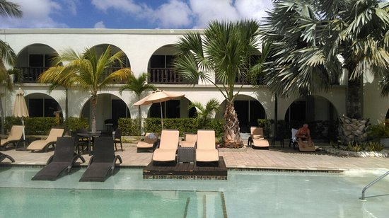 Talk of the Town Hotel & Beach Club: IMAG0772_large.jpg