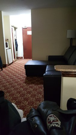 Milledgeville, GA: Sitting area in the room.