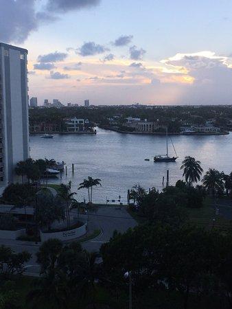 Marriott's BeachPlace Towers: Excelente ubicación Departamentos espaciosos, muy bien equipados