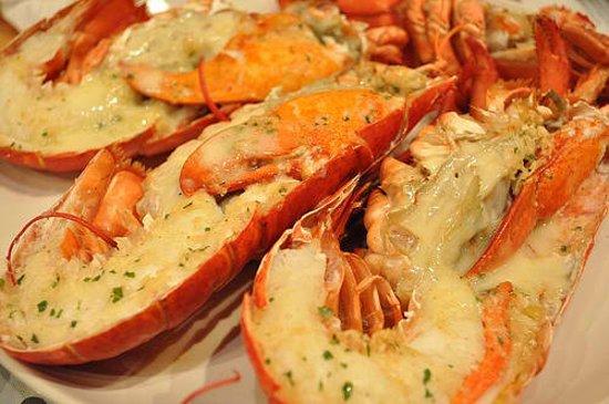 BEST WESTERN PLUS Ambassador on Ruthven Motor Inn: Lobster Thermidor