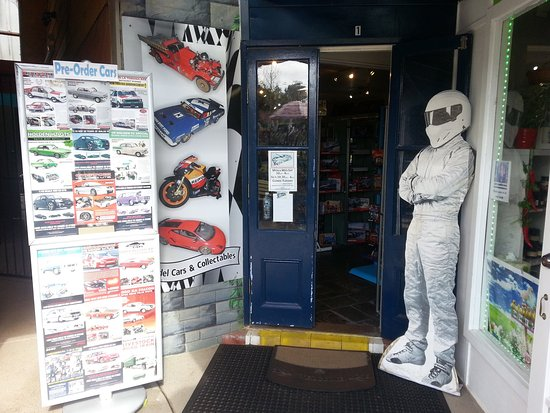 Eagle Heights, Australia: The Stig guards the door