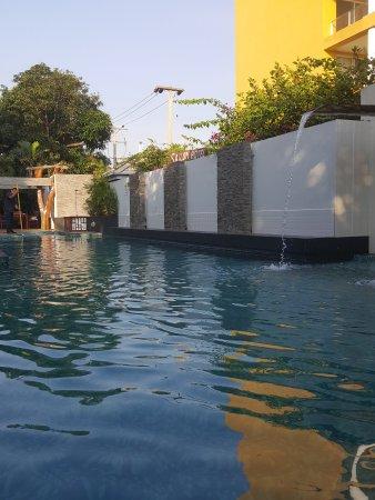 Sailom Hotel: 20170130_081314_large.jpg