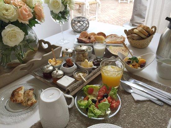 Riad les Orangers d'Alilia Marrakech: The sumptuous breakfast