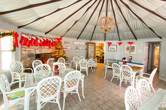 Pirates Point Resort: Dining Room, decorated for Christmas