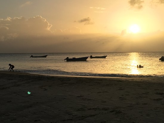 Corn Islands, Nicaragua: Doesn't get any better than this! Best beach on the island! Lovely accommodations, beautiful gro