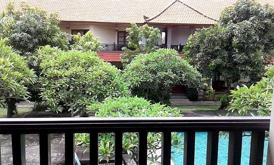 Bumas Hotel: Vanaf balkon