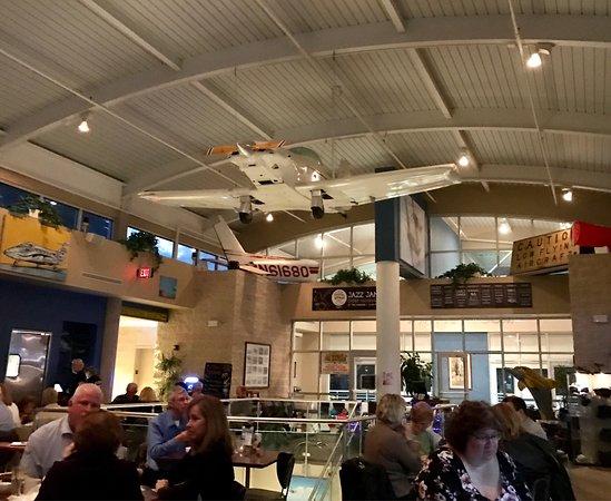 The Hangar Restaurant & Flight Lounge: photo8.jpg