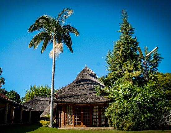 Dema Villa Guest Lodge