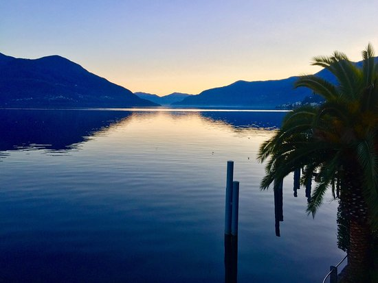 Ronco sopra Ascona, İsviçre: amazing sunset from the room