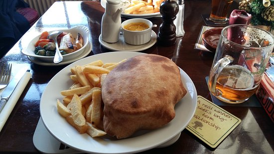 Kempsey, UK: Steak and Ale pie - delicious