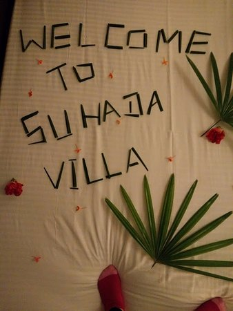 Suhada Villa : Welcome message on bed