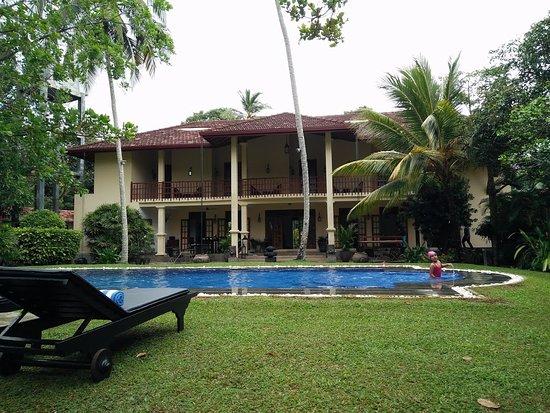 Suhada Villa Photo