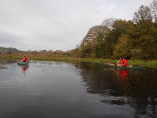 Сент-Остелл, UK: Experience our canoe journeys along Cornish rivers