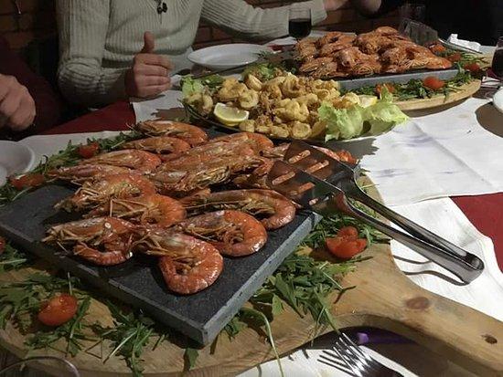 Una Meravigliosa Cena A Base Di Pesce Foto Di Millennium Lamezia