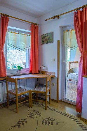 Grahovo, Slovenien: Room with three beds