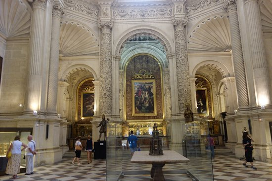 Interior catedral de sevilla picture of seville - Catedral de sevilla interior ...