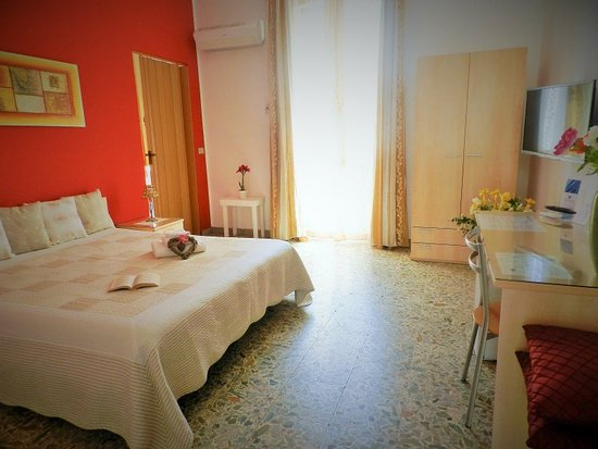 Actinia Accommodation: Camera matrimoniale con bagno privato