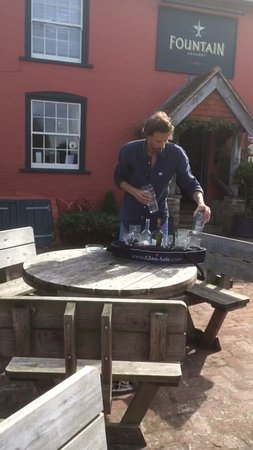 Ashurst, UK: The boss clearing the empties with style and panache!