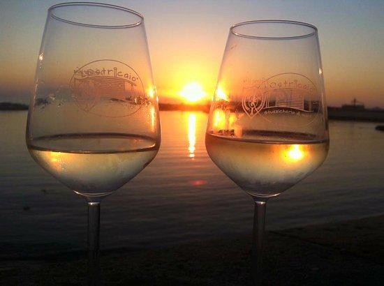 Risultati immagini per calice di vino