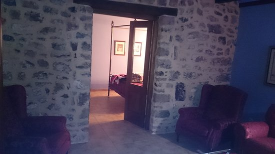 Camasobres, Испания: Vista desde el salon hacia la habitación