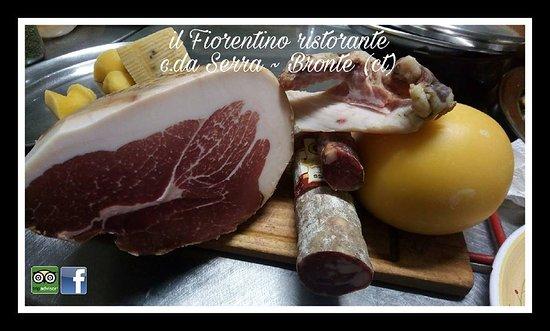 Bronte, Italien: culatello, salame e provola locale