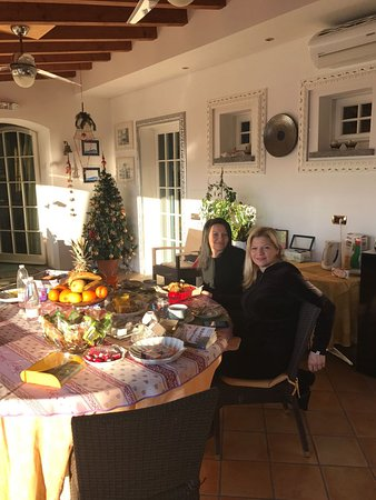 Monvalle, Italien: Having breakfast galore !