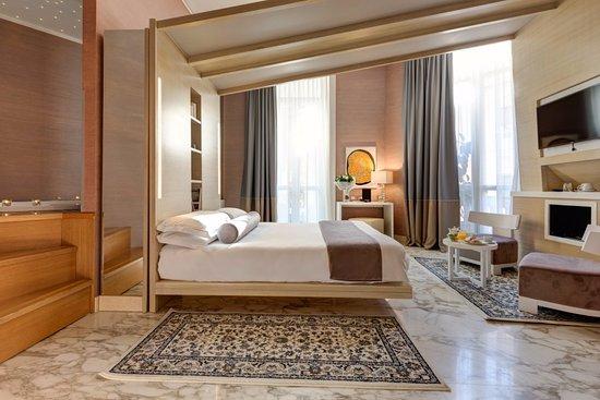 Dharma Hotel Photo