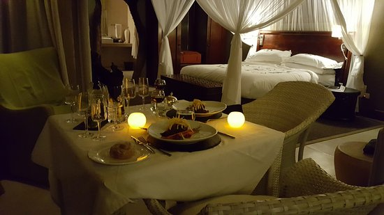 ‪‪Leopard Hills Private Game Reserve‬, جنوب أفريقيا: A romantic dinner for two in our room‬