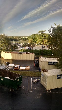 Hampton by Hilton Boca Raton: View from our 3rd floor room