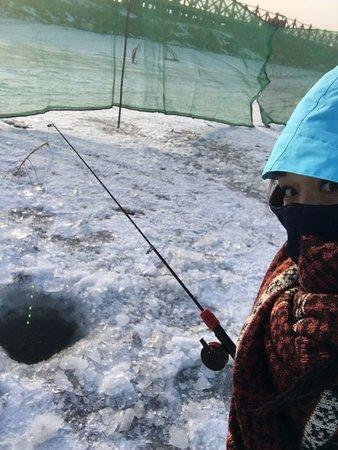 Tumotezuo Qi, Kina: 哈素海景區 冰上釣魚