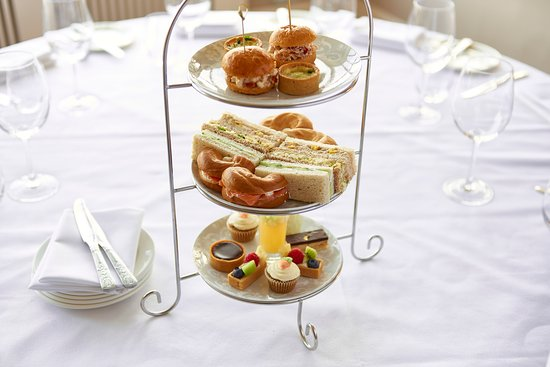 Elstree, UK: Afternoon Tea at The Manor