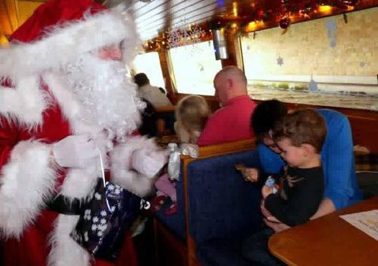 Canal Boat Cruises of Riley Green: Romance Christmas Cruises