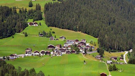 Liesing, Österreich: Mitten in der kleinen Ortschaft Klebas steht unser Haus