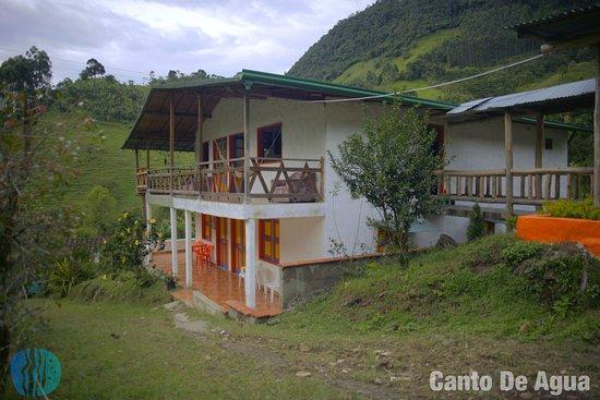 Jardin caba a jard n colombia opiniones y comentarios for Cabanas para jardin