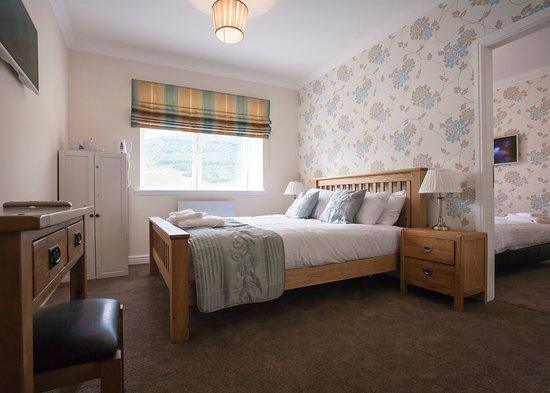 Lochside Guest House Photo