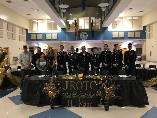 Mauldin High School JR ROTC Ball catering job!