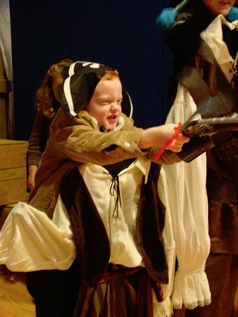 Roanoke Island Festival Park: Bad, mean pirate in the Adventure Museum!