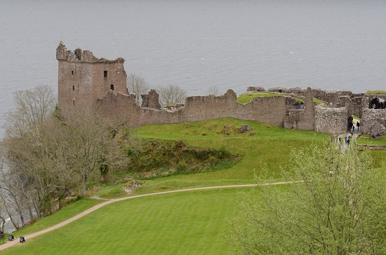 Urquhart Castle: view of the castle