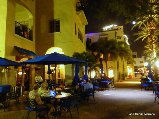 Parkshore Grill: Dining Alfresco