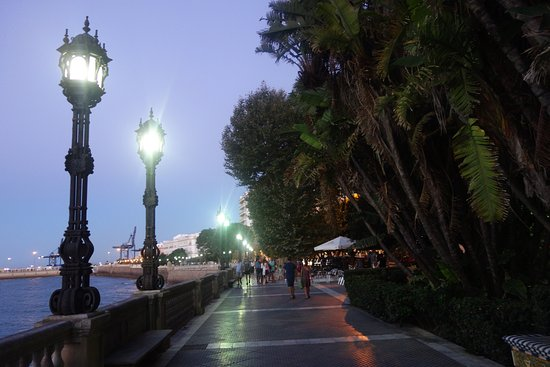 Paseo Canalejas