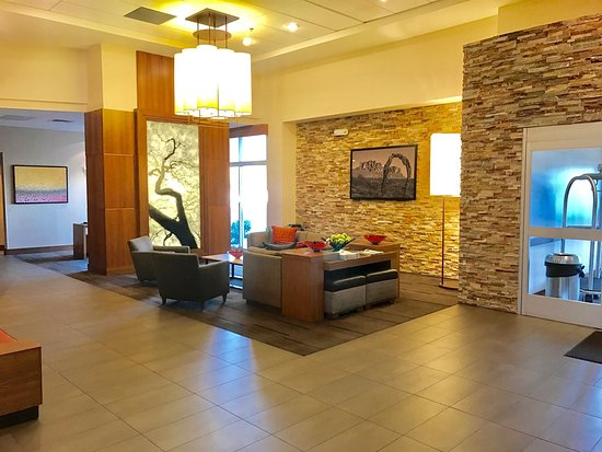 hyatt place chandler az breakfast area lobby area picture of