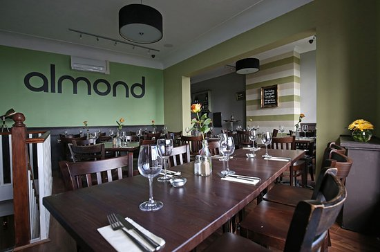 Almond Restaurant & Bar: Upstairs